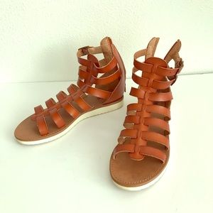 Mossimo brown tan gladiator sandals white bottom